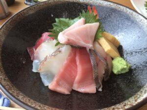 まぐろと海鮮8種丼