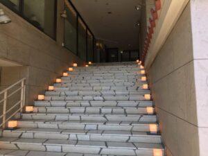 階段上がる