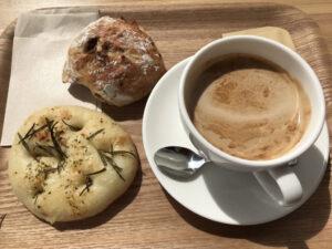 カフェオレとパン1